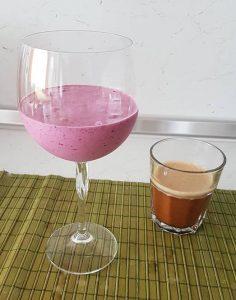 Малинов фитнес йогурт