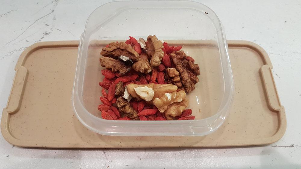 орехи с годжи бери
