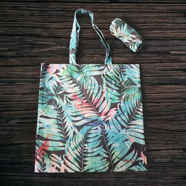 чанта за плаж- https://lessmess.bg/
